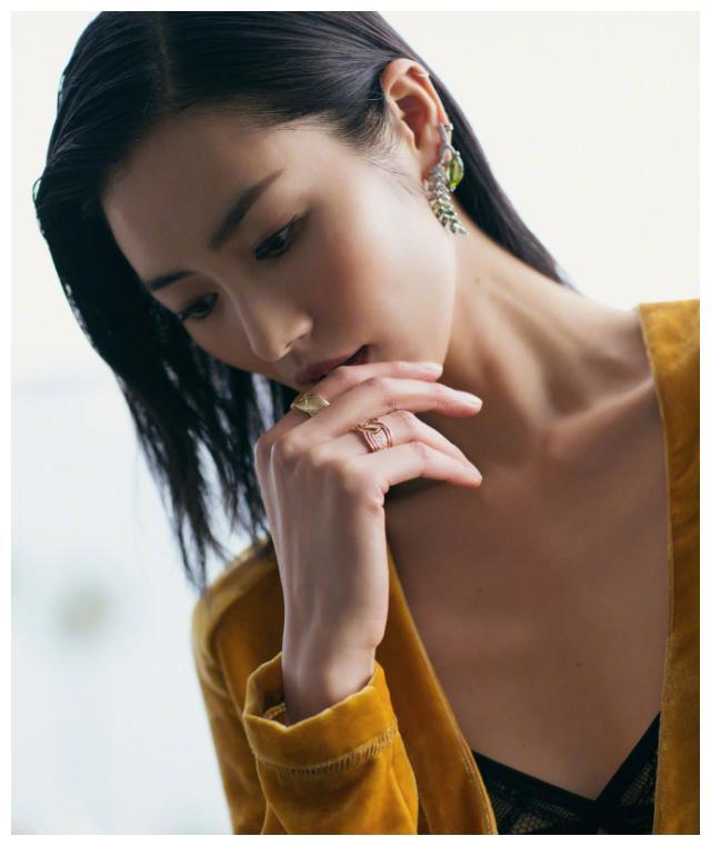 """没有辛芷蕾,钟楚曦的高级脸,但你可以""""妆""""出同款高级感!图片"""