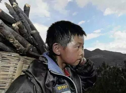 云南有哪些贫困山区_走近大理,丽江,怒江,红河等地,探访拍摄了云南贫困山区的求学现状.