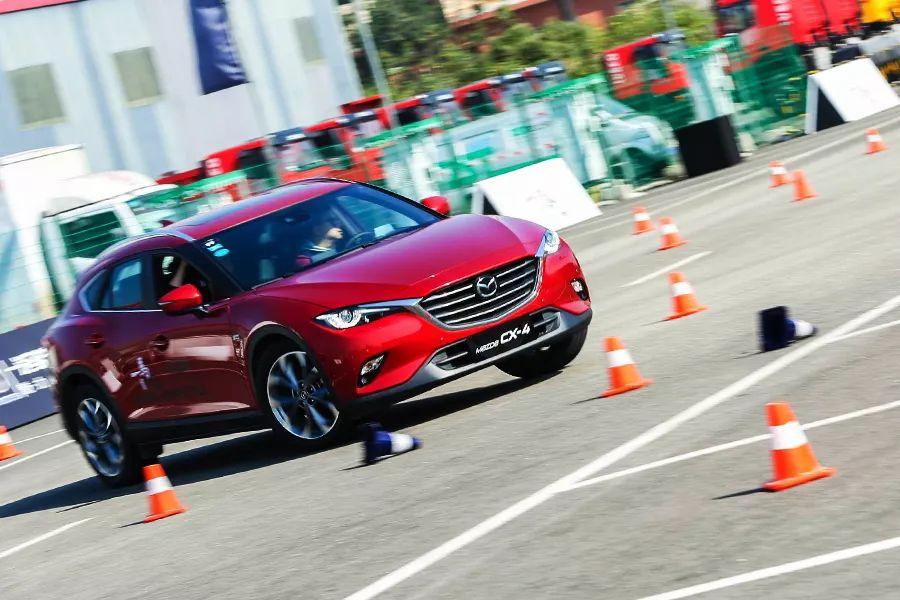试驾轿跑SUV马自达CX-4,GVC技术加持,操控是亮点!