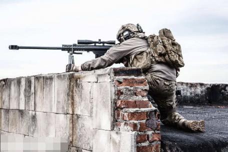 狙击手射击时,要瞄准目标的头部吗?