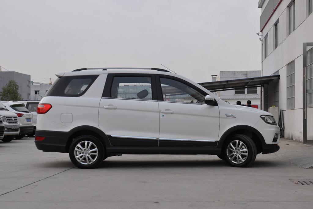 新车:售5.99万元, 东风风光370新增车型上市