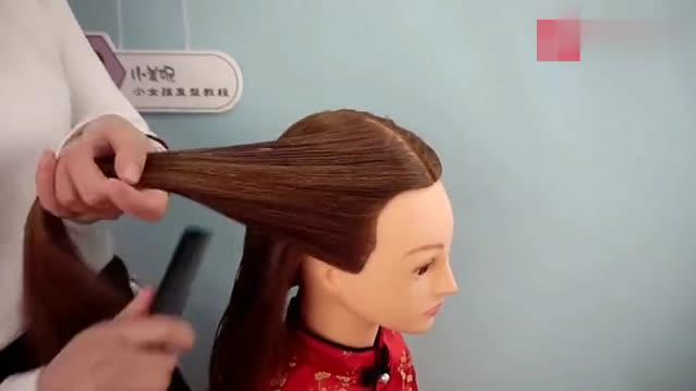 真美!编发幼儿孩儿过年适合服发型,小女拜年教可爱发型泰迪图片