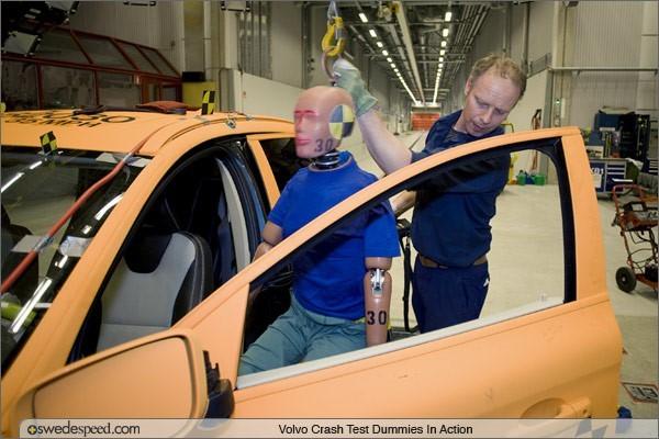 你知道吗?汽车碰撞测试中使用的假人,比车还贵!