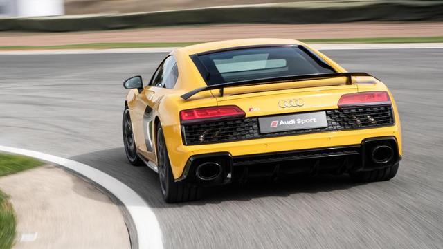 新款奥迪 R8:真是最适合日常驾驶的超跑?