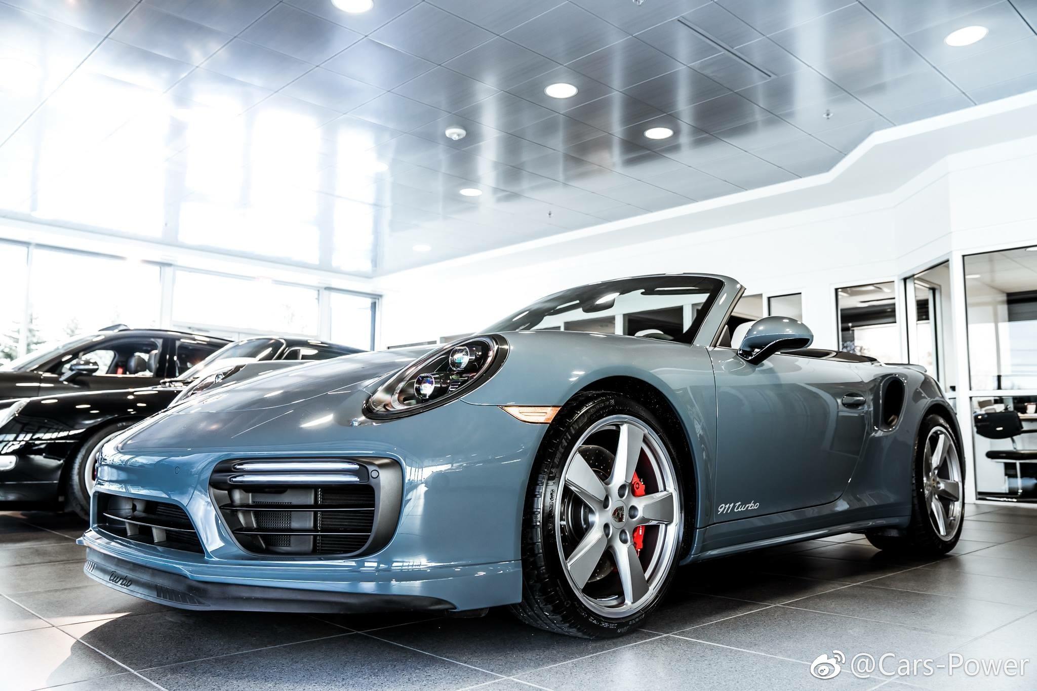 Graphite <em>blue</em> Porsche 911 Turbo