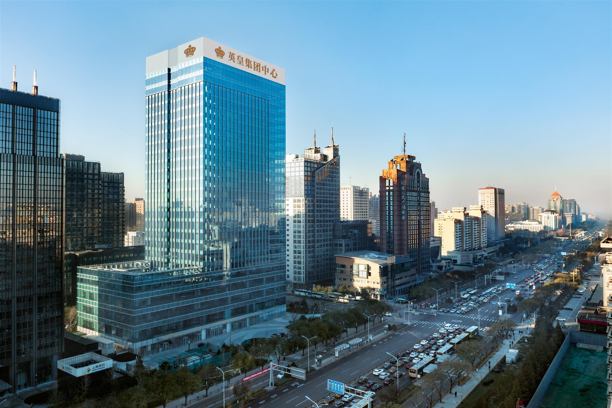 昨日吴亦凡空降英皇电影城-北京英皇集团中心