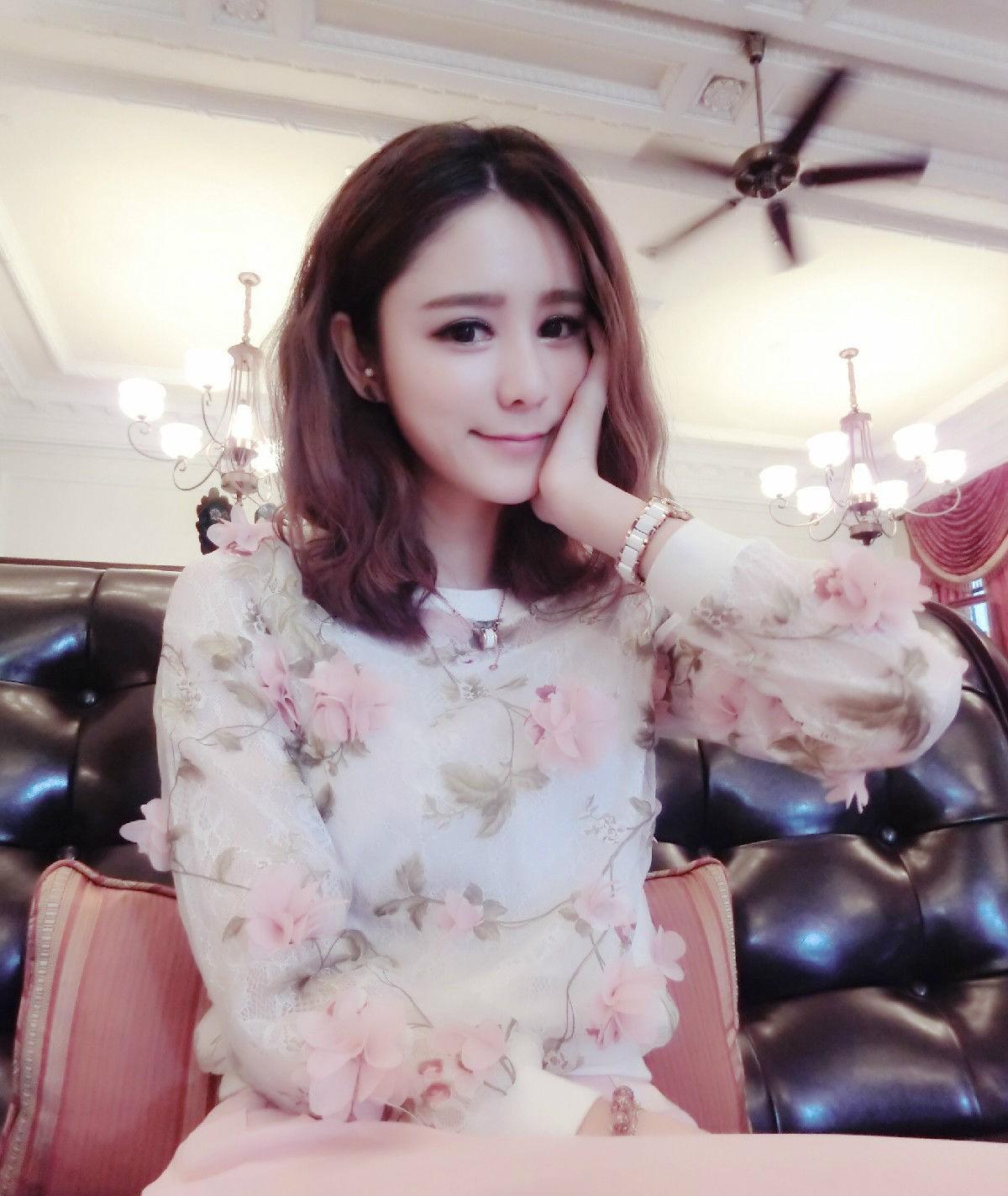 林峰被曝带小14岁嫩模女友见家长,堂妹:张馨月很漂亮!