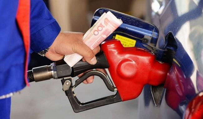 92号和95号汽油混着加,会伤车吗?别说我没告诉你!