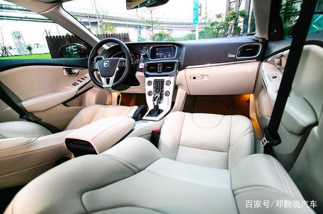 V40车系:搭载沃尔沃变速箱,兼具性能与节能的进化