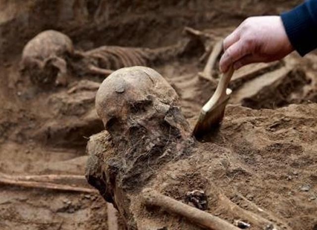 日本当年学习中国古代用活人献祭,地震之后真