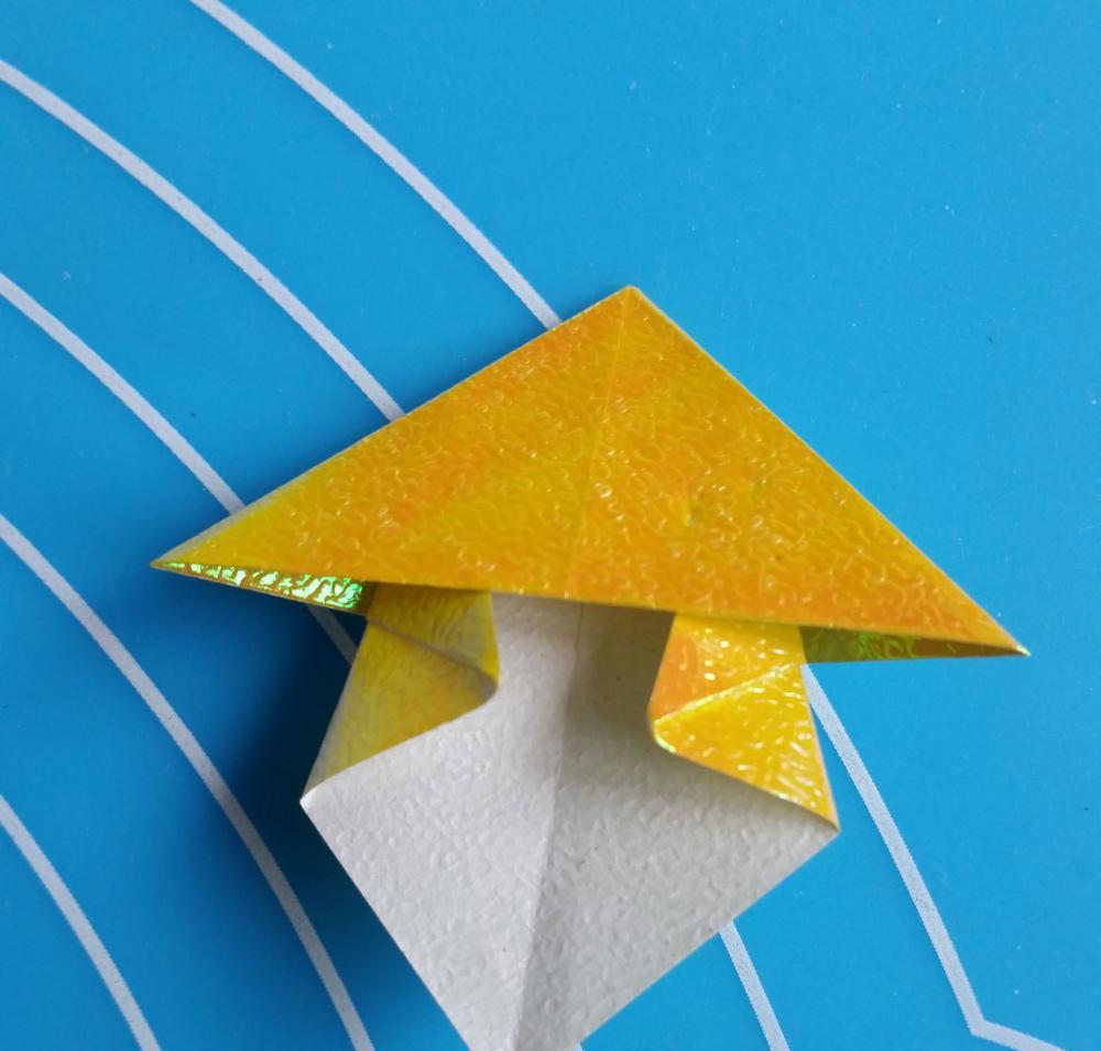 如何用折纸折蘑菇的步骤图