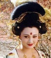 如何评价唐朝时期的杨贵妃?她到底和李隆基做了哪些坏事