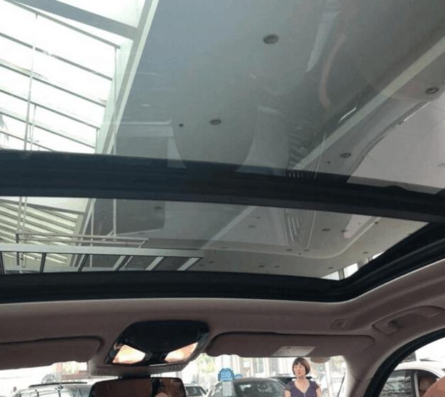 宝马X3 30i到店实拍, 白色车身很低调, 中网的鼻毛严重影响颜值