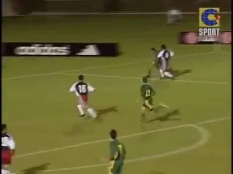 史上最惨烈的一场足球赛是发生在澳大利亚与萨摩亚之间,2001年两者在世界...