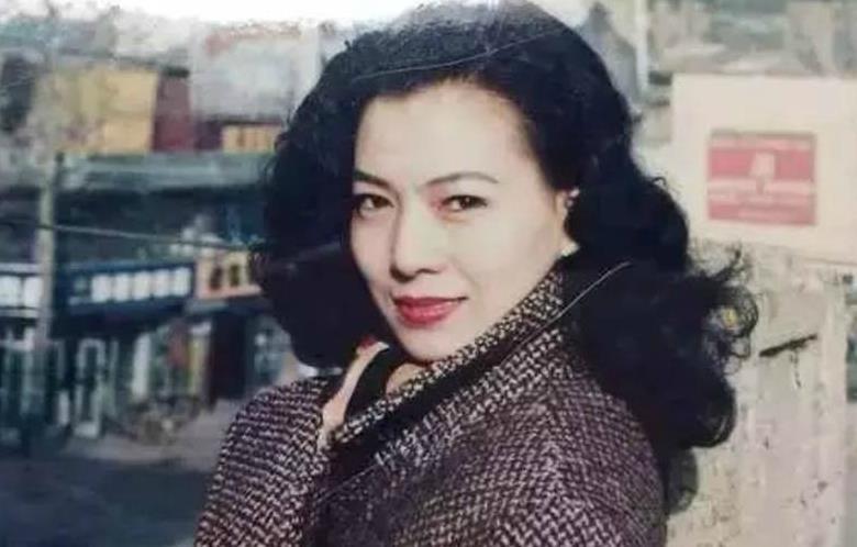 谁没年轻过,在没有ps的年代,妈妈的老照片美过当今女图片