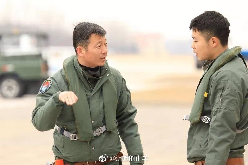 辛海辉,海军航空大学某团飞行教官,1次荣立二等功,4次