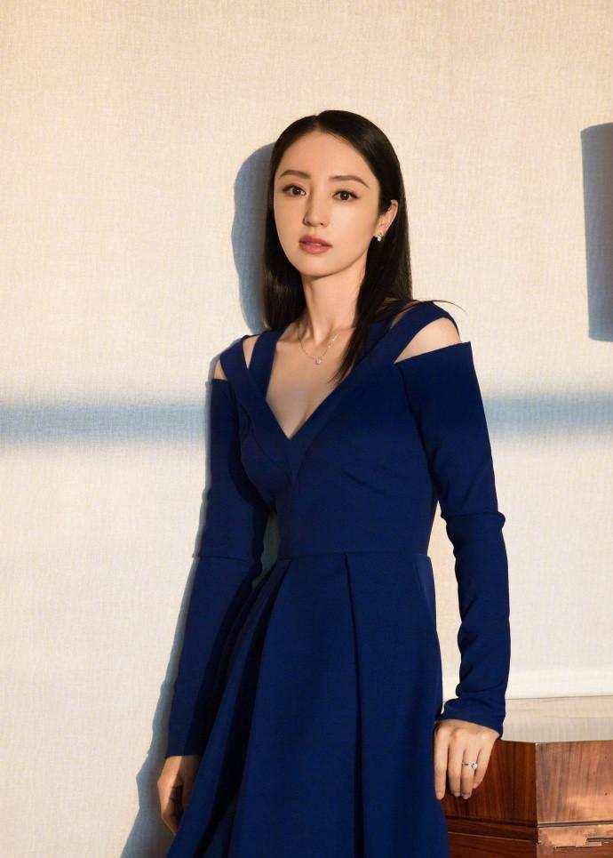 高云翔二次庭审后, 妻子董璇微博分享满天星