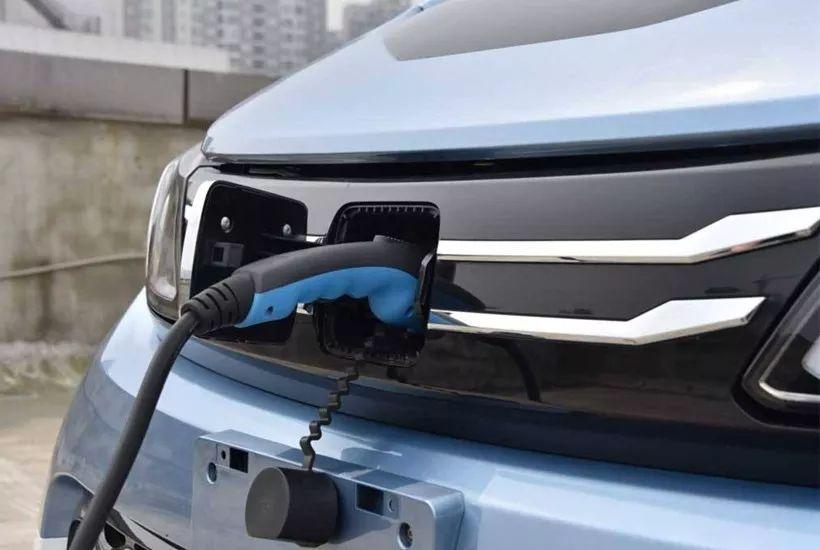 奔驰全新A级值不值得买?电动车冬季用车注意哪些?