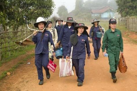 """探秘中国第一""""蛇村"""",300万条蛇出没,进村的人都胆战"""