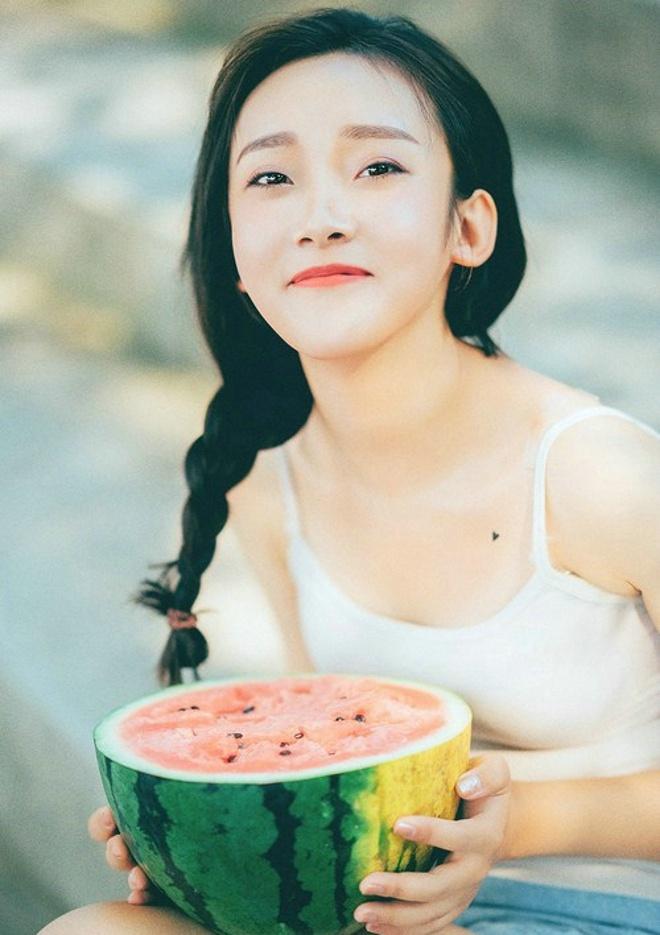 a美女美女俏皮美女室外清纯夏日唯美写真集阳光桂林站图片