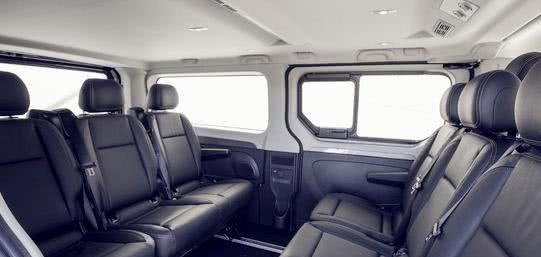 """法系""""埃尔法""""亮相,座椅360°旋转,可变办公室,比GL8大"""