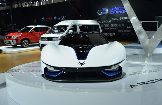 御风P16自动挡车型上市,售13.88万元起;北汽电动跑车9月首发