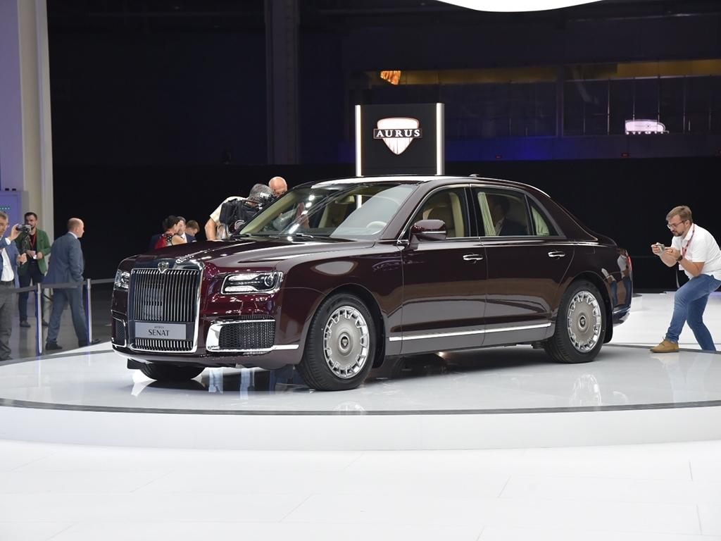 富豪们的新选择 普京专车同款前脸 这款俄制豪华MPV怎么样