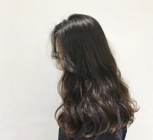 s型大卷烫发也适合在秋冬烫,留长发的菇凉们可不要错过了!图片