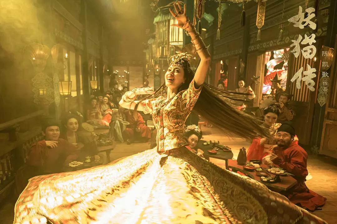 《盛《盛唐幻夜》上演大型唐朝时装秀,原来剧组的钱全用在这