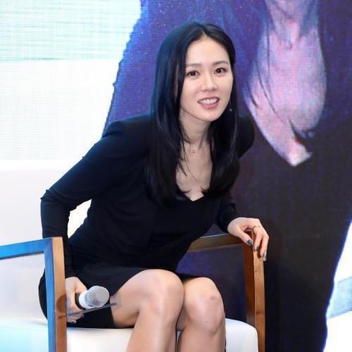 姐姐操综合影院_这不,近日漂亮姐姐孙艺珍与玄彬出席了在首尔江南区coex广场举行的