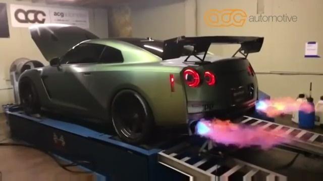 爱极客 日产GT-R 改装车 这G-TR再改怕是会飞    ?