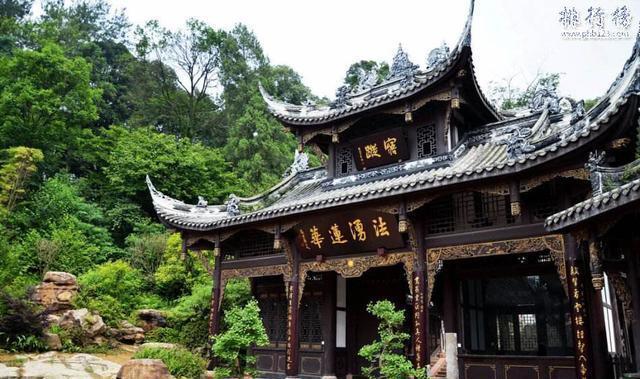 成都十大最美的古镇, 有五处是4A级景区, 人少景美