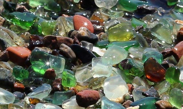 """海滩在俄罗斯v海滩,发财游客上全是""""宝石"""",这下真发现了!锌合金压铸箱包配件图片"""