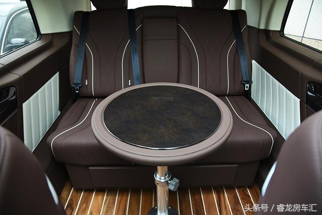 成功的人生不需被标配,奔驰V-class,定制的豪华随心所欲