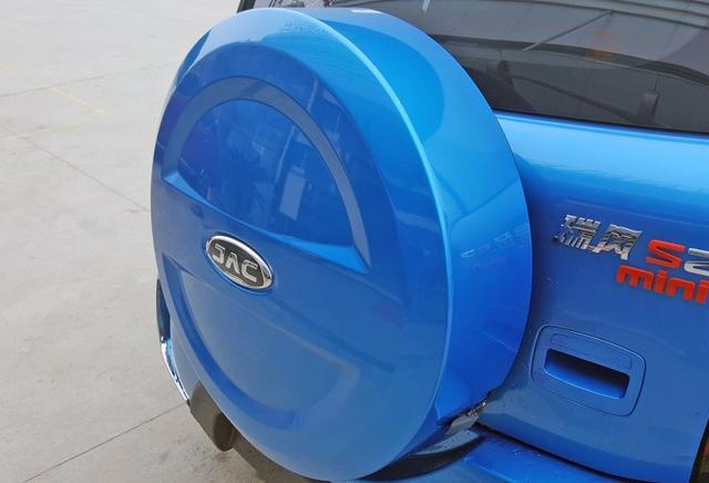 最丢脸的国产SUV,全景天窗+LED日行灯,顶配不足6万月销仅3辆