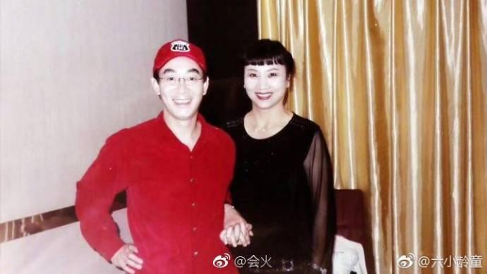 六小龄童罕见微博大秀恩爱,原来当年娶了《西游记》中的皇后!