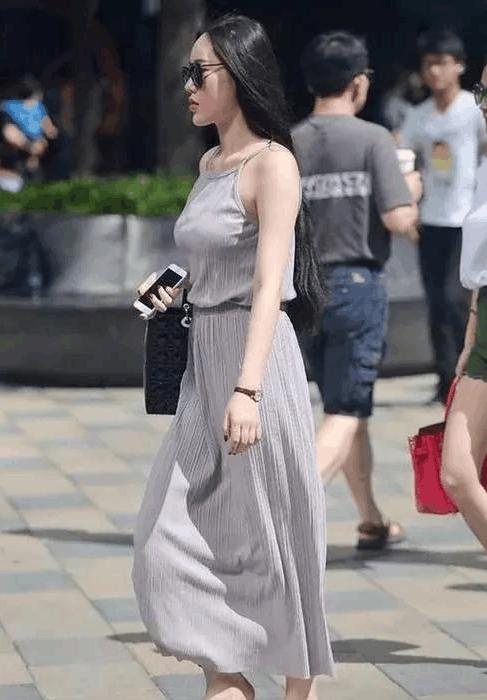 大胆想法_街拍: 杭州街头的大美丽, 姿态优美, 老弟有个大胆想法!
