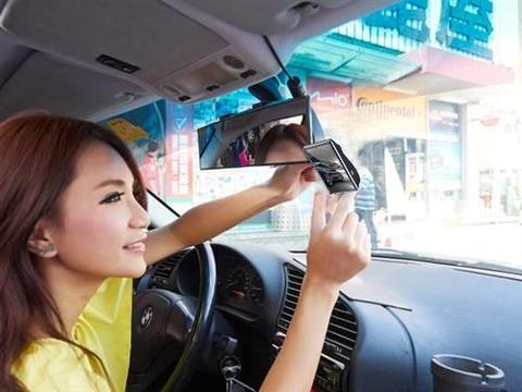 迷你<em>红外夜视</em>触控记录仪,路征探H6缩时录影1440P高清安全行车