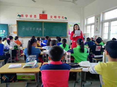 乌岭小学开展爱路护路主题教育活动