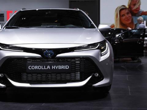 巴黎车展丰田卡罗拉旅行版混合动力