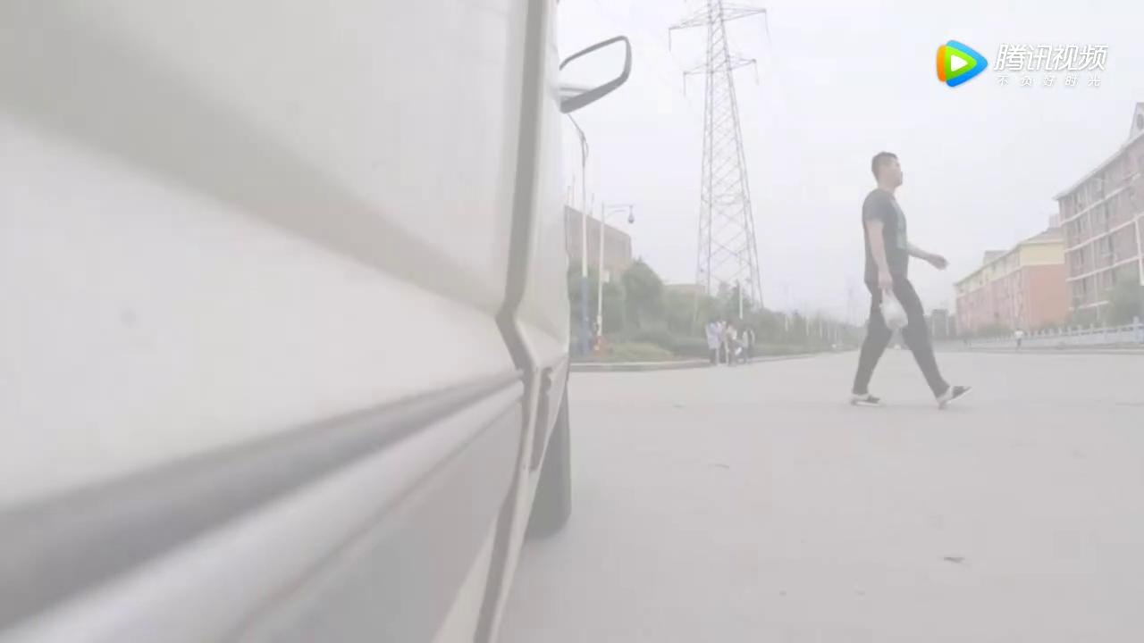 视频:全国首提江南TT,车主直言:比上万的摩托车好多了