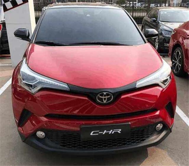 丰田C-HR到店实拍,14万起售搭载2.0自吸四缸机,国产车要慌了!
