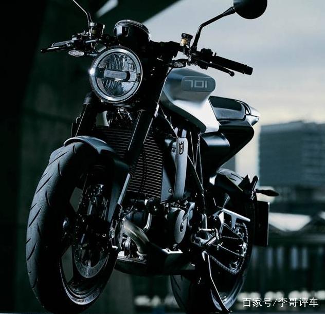 这款高性能摩托车,单缸引擎!百公里5个油,杨坤的哈雷不过如此