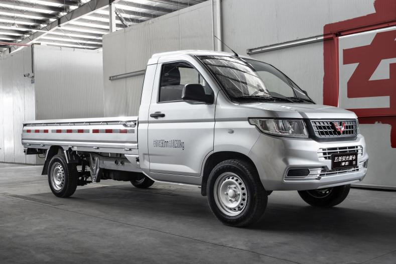 五菱双排1.5小货车新款颜色 五菱宏光小货车双排图片