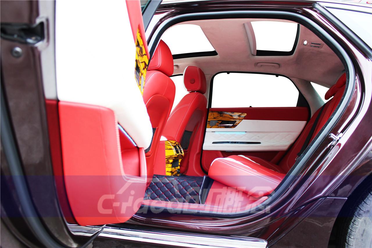 捷豹xfl内饰改装升级,红白相间尽显个性风范!