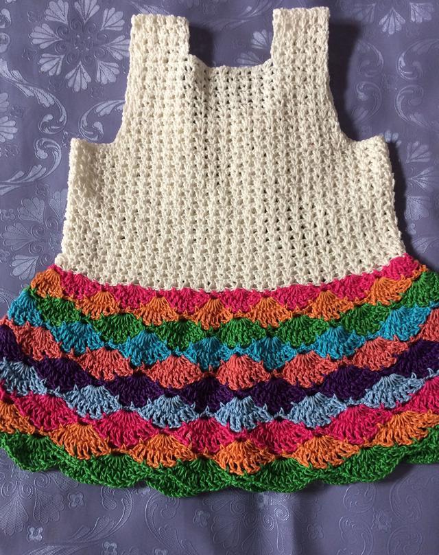 一款特别漂亮的宝宝钩针裙快快收了吧