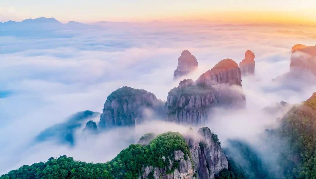 这个云端之上的避暑地,能满足你对夏天清凉的所有幻想