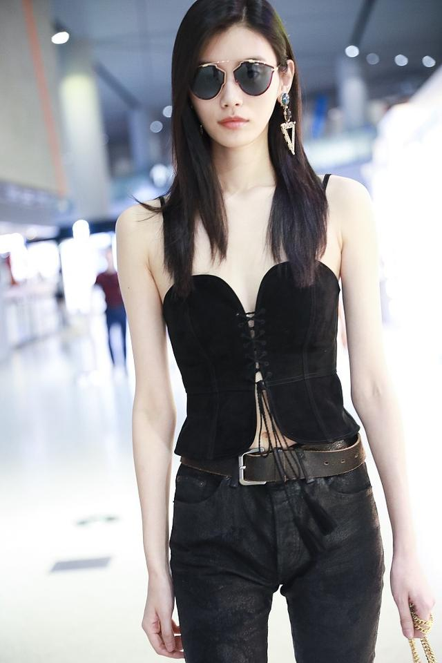 奚梦瑶穿瑜伽马甲露小蛮腰装扮特工堪比女性感吊带60高级分钟性感图片