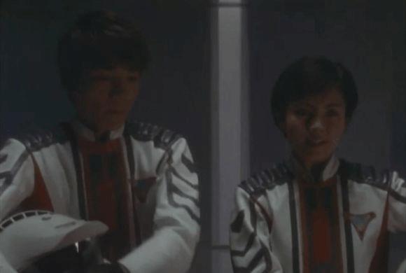 迪迦奥特曼中的女友线, 丽娜是剧中第一位揭穿大古迪迦奥特曼队员