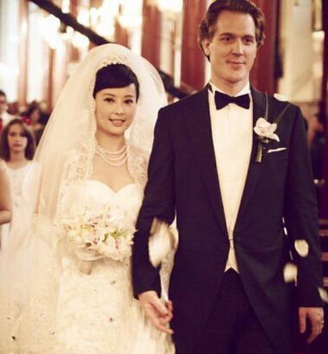 老外狠狠的干_被老外戏弄狠甩的5位中国女星, 红极一时嫁入国外, 如今成这样